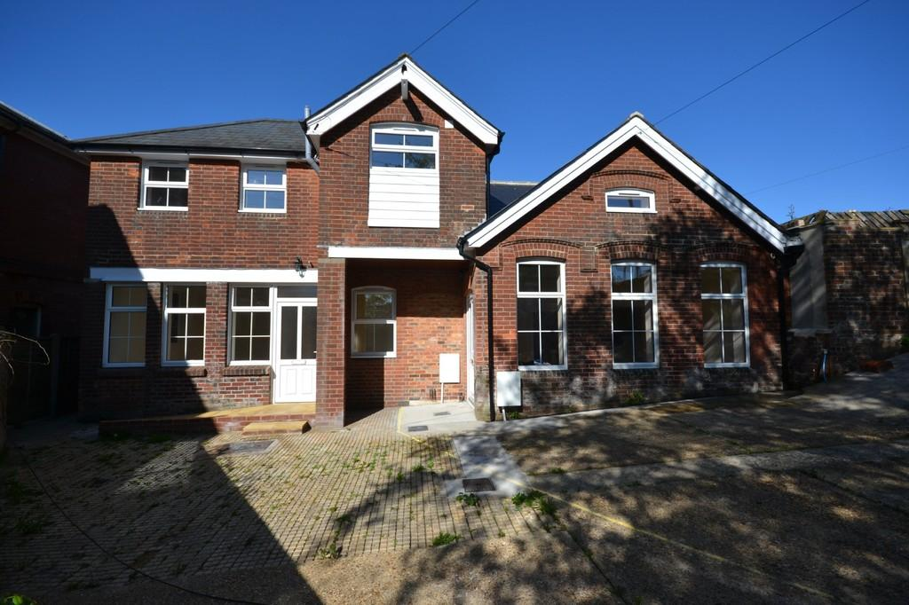 1 Bedroom Semi Detached House for sale in Crocker Street, Newport