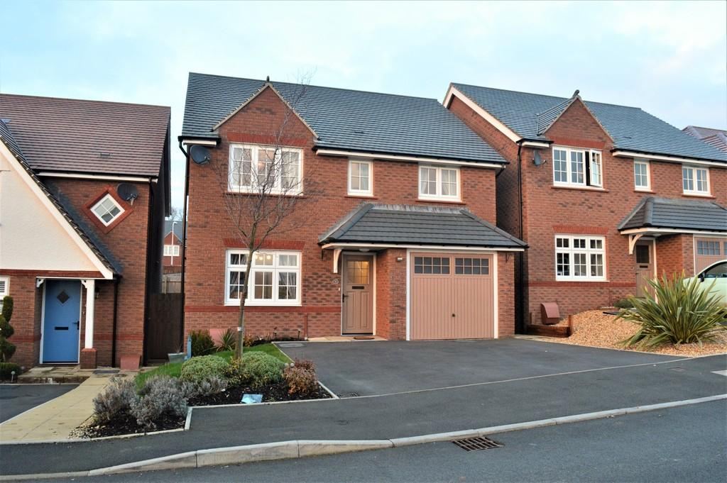 4 Bedrooms Detached House for sale in River Avenue, Manor View