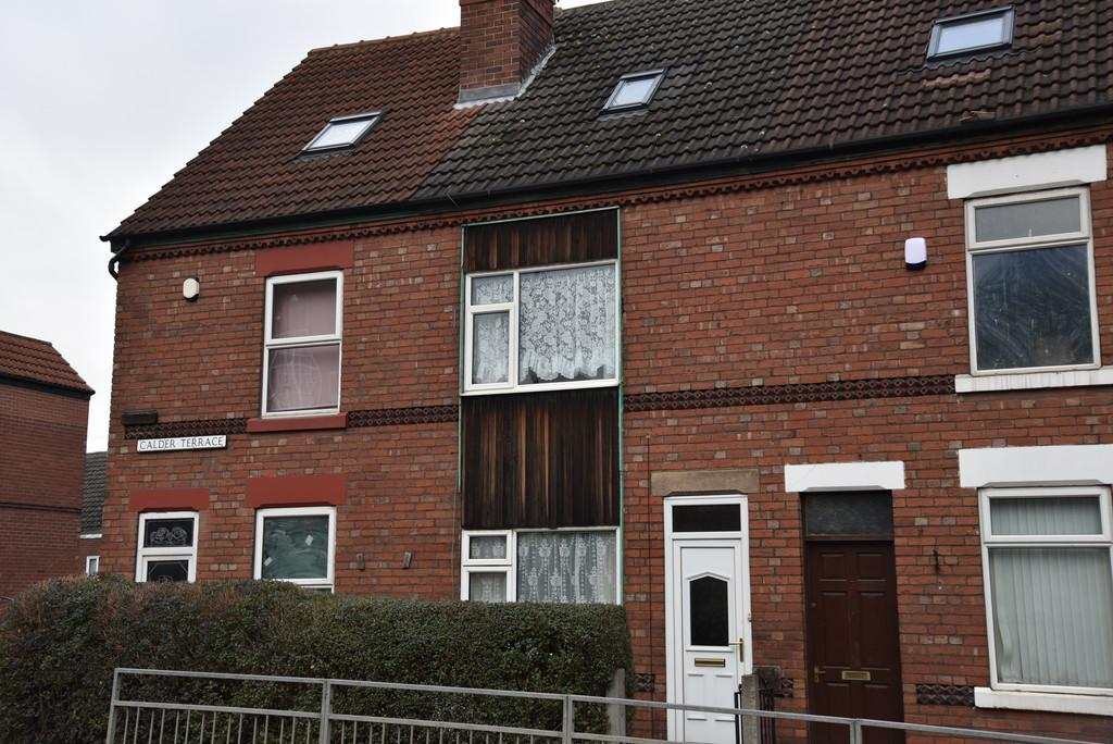 3 Bedrooms Terraced House for sale in Calder Terrace Low Road, Conisbrough