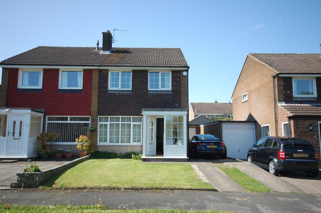 2 Bedrooms Semi Detached House for sale in Dene Drive, Carrville