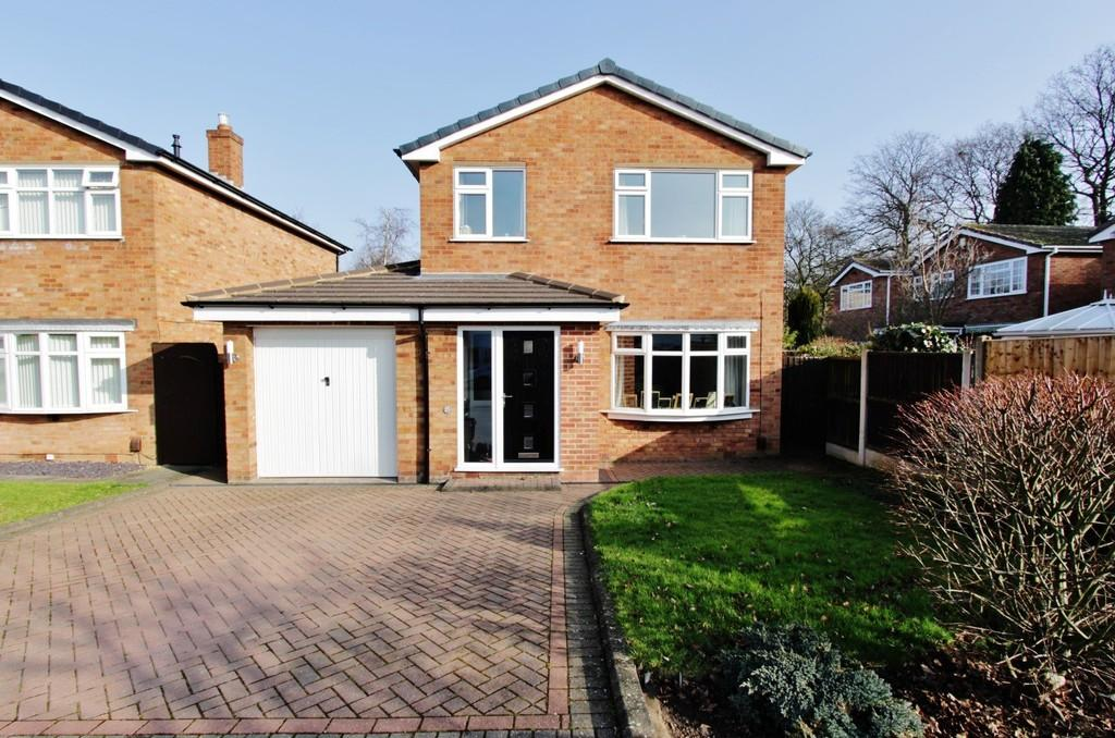 3 Bedrooms Detached House for sale in Edgar Close, Coton Green