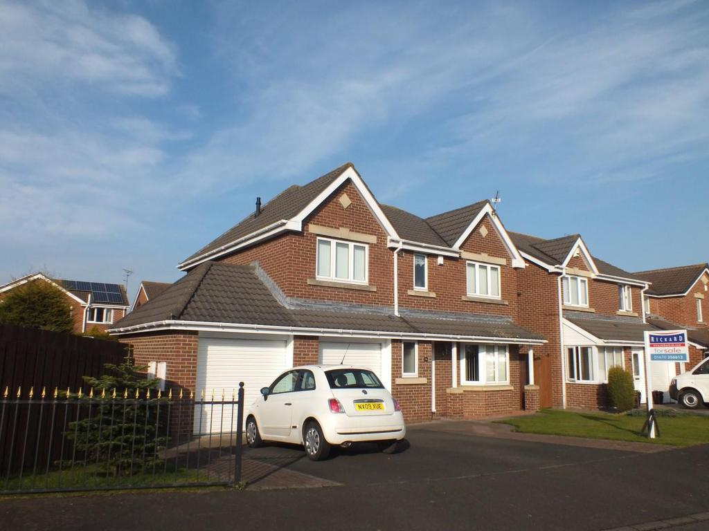 4 Bedrooms Detached House for sale in Hadrian Road, Blyth