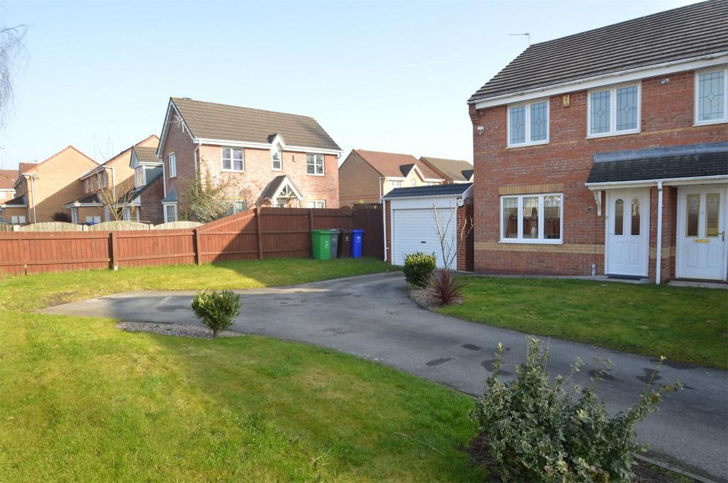 3 Bedrooms Semi Detached House for sale in Inglesham Close, MANCHESTER
