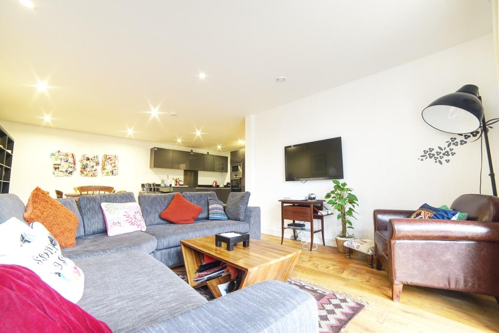 2 Bedrooms Flat for sale in Maltby Street, SE1