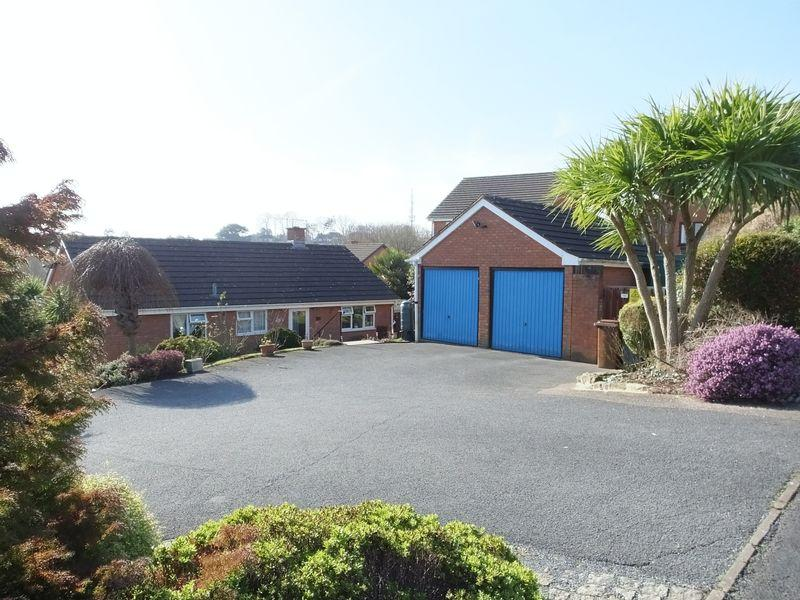 3 Bedrooms Bungalow for sale in Stoke Valley Road, Exeter