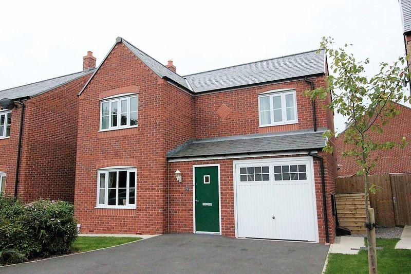 4 Bedrooms Detached House for sale in Stryd Y Barcud, Ruthin