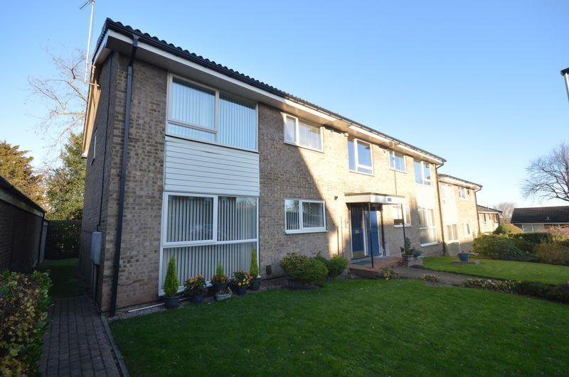 2 Bedrooms Apartment Flat for sale in Rotherstoke Close, Moorgate, ROTHERHAM