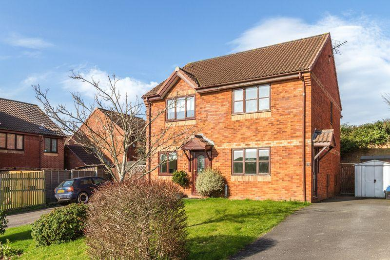2 Bedrooms Semi Detached House for rent in Avranches Avenue, Crediton