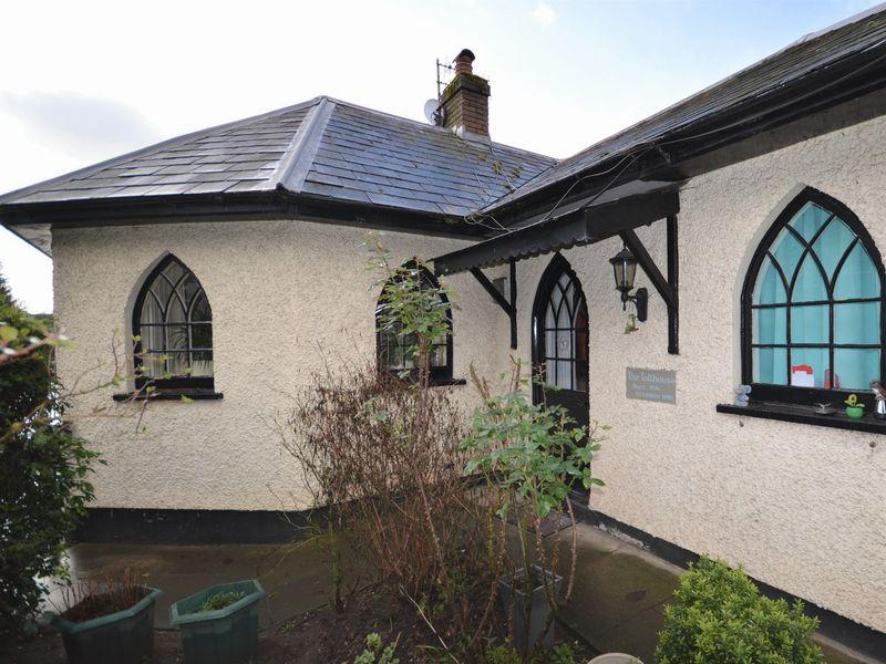 2 Bedrooms Detached House for sale in The Toll House, Pen Y Pound, NP7