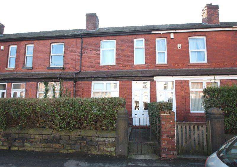 2 Bedrooms Terraced House for sale in Lower Bents Lane, Bredbury