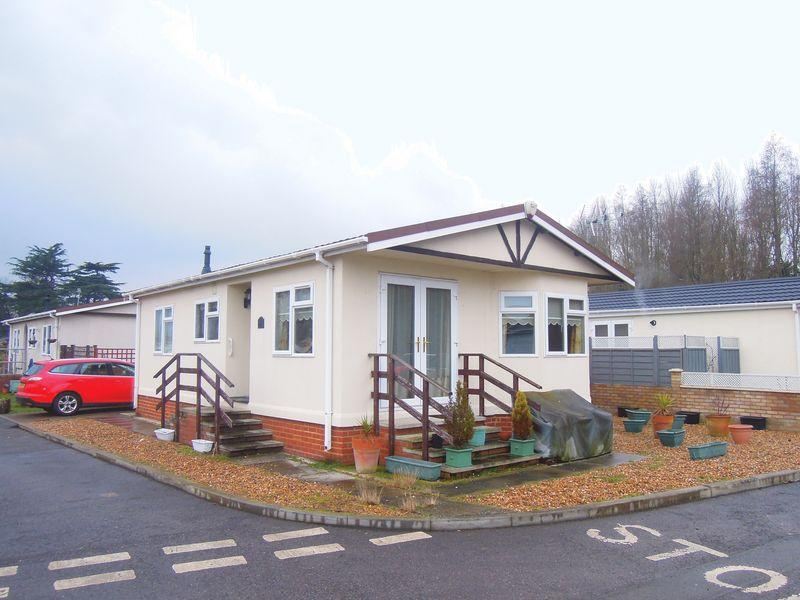 2 Bedrooms Detached House for sale in Orchards Residential, Langley