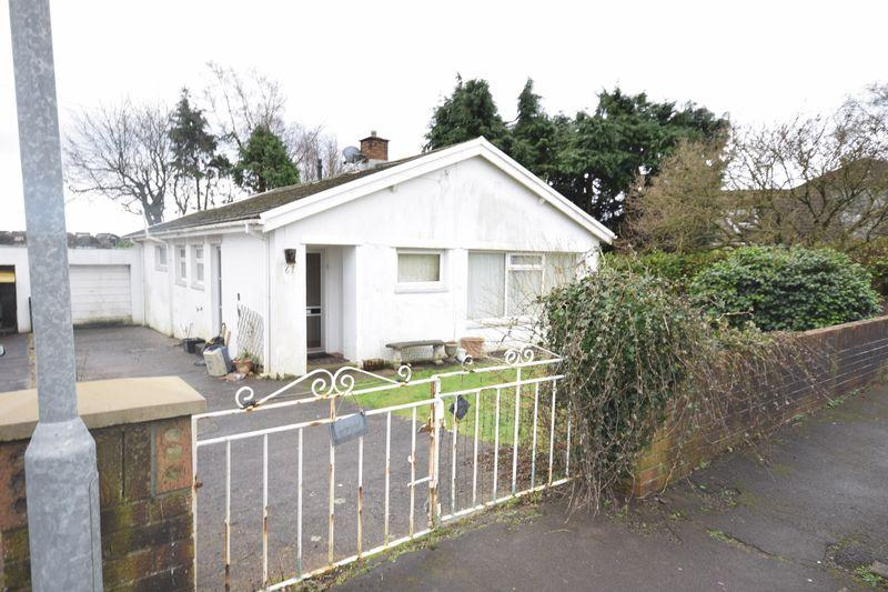 3 Bedrooms Detached Bungalow for sale in Castle View, Bridgend