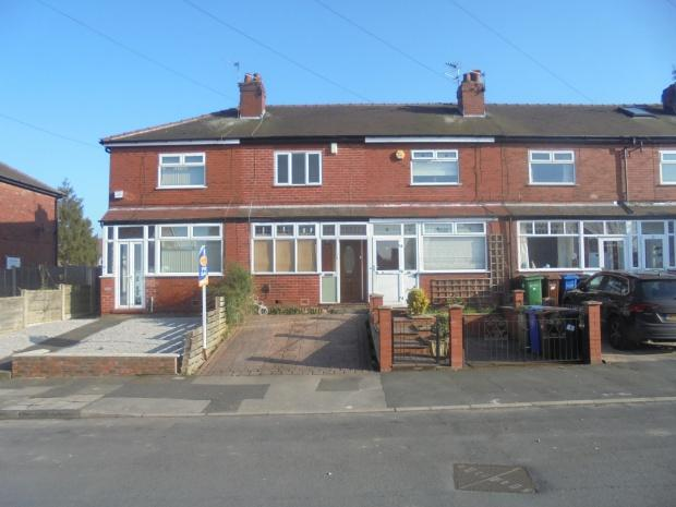 2 Bedrooms Semi Detached House for sale in Eastcote Road, Stockport, SK5