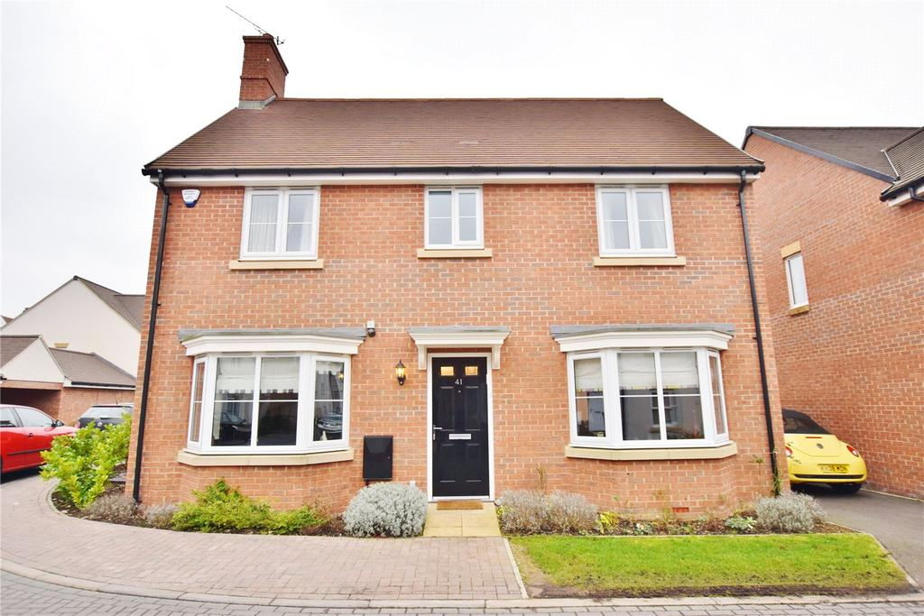 4 Bedrooms Detached House for sale in Wright Close, Bushey, Hertfordshire, WD23