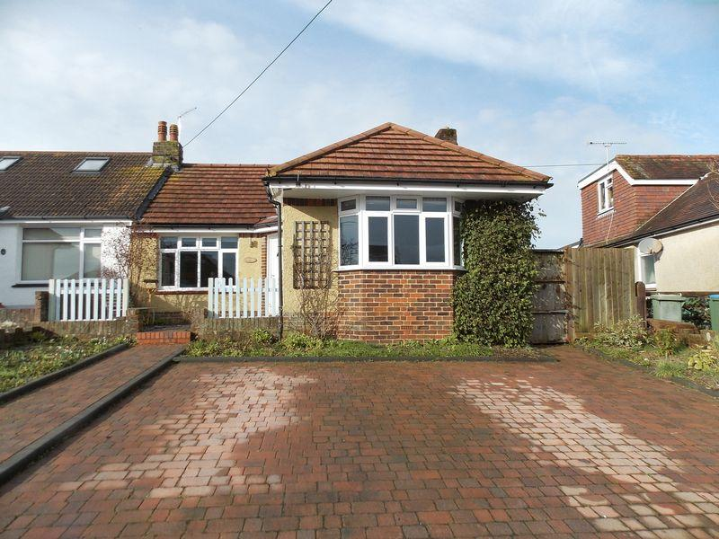 4 Bedrooms Semi Detached Bungalow for sale in Kings Stone Avenue, Steyning
