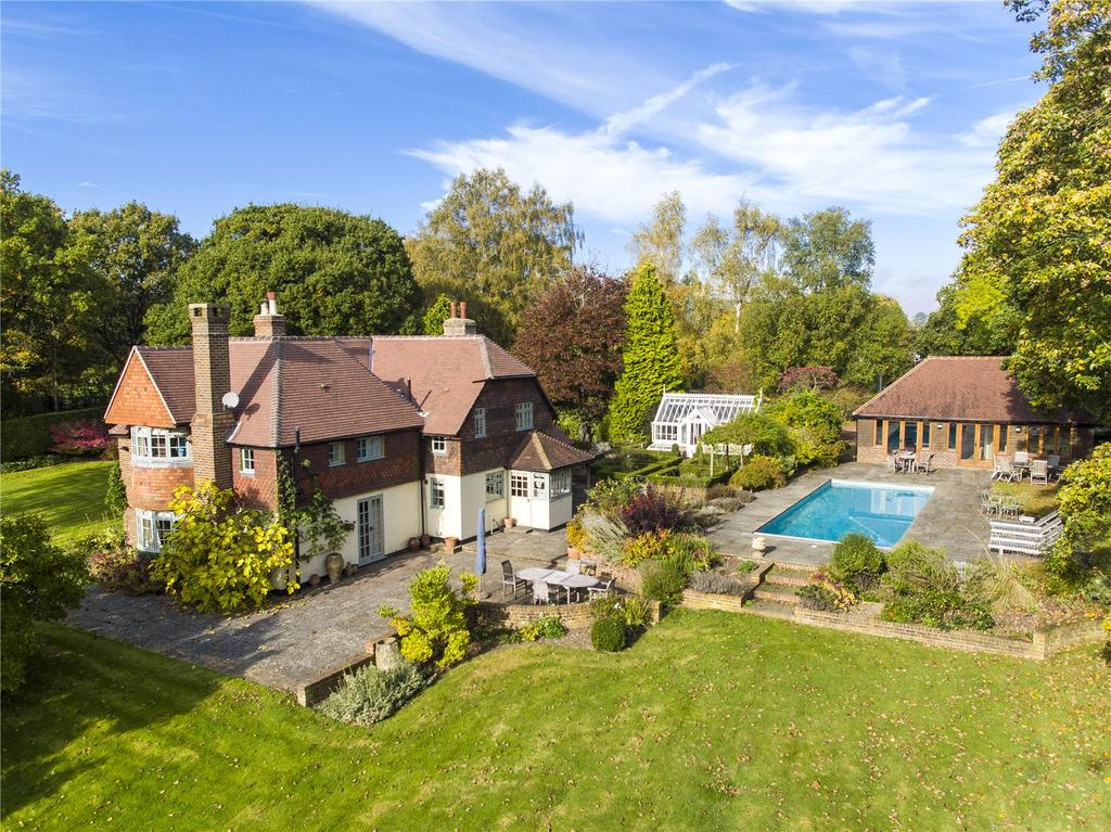 4 Bedrooms Detached House for sale in Dean Oak Lane, Leigh, Reigate, Surrey, RH2