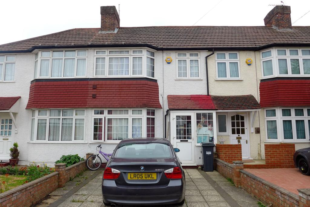 3 Bedrooms Terraced House for sale in Byward Avenue, Feltham