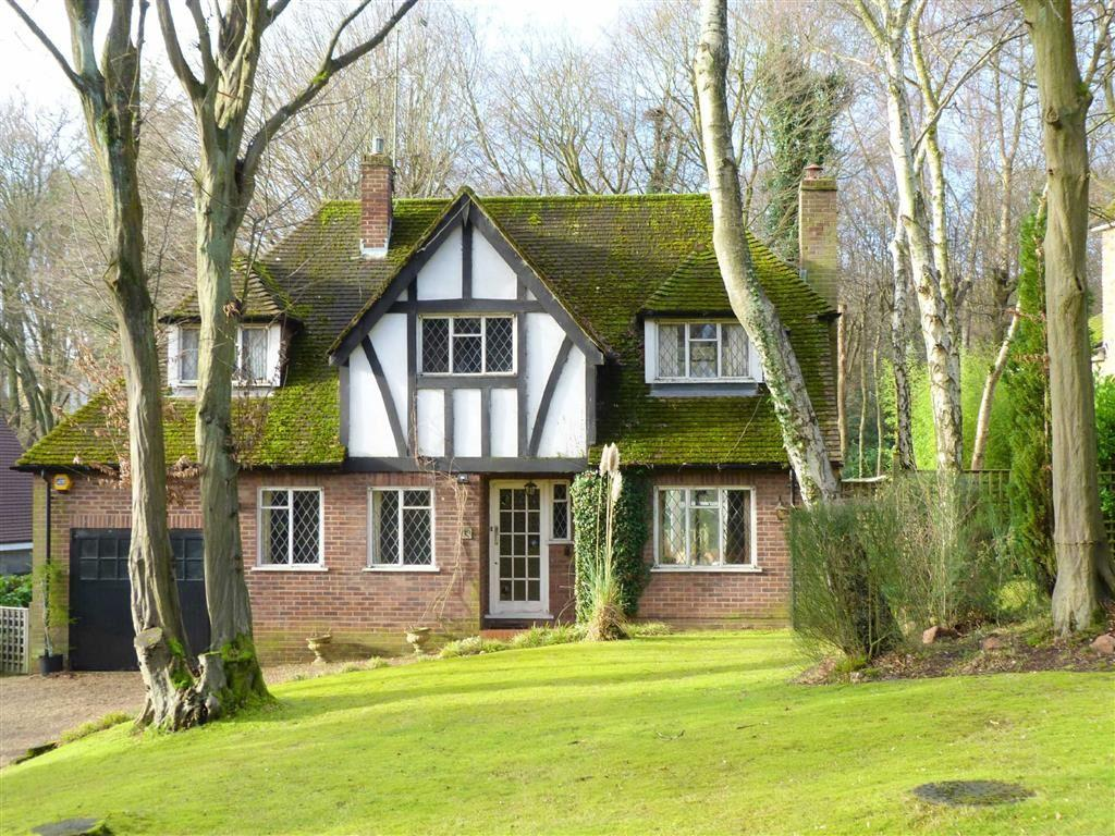 3 Bedrooms Detached House for sale in Bishops Road, Tewin Wood, Welwyn