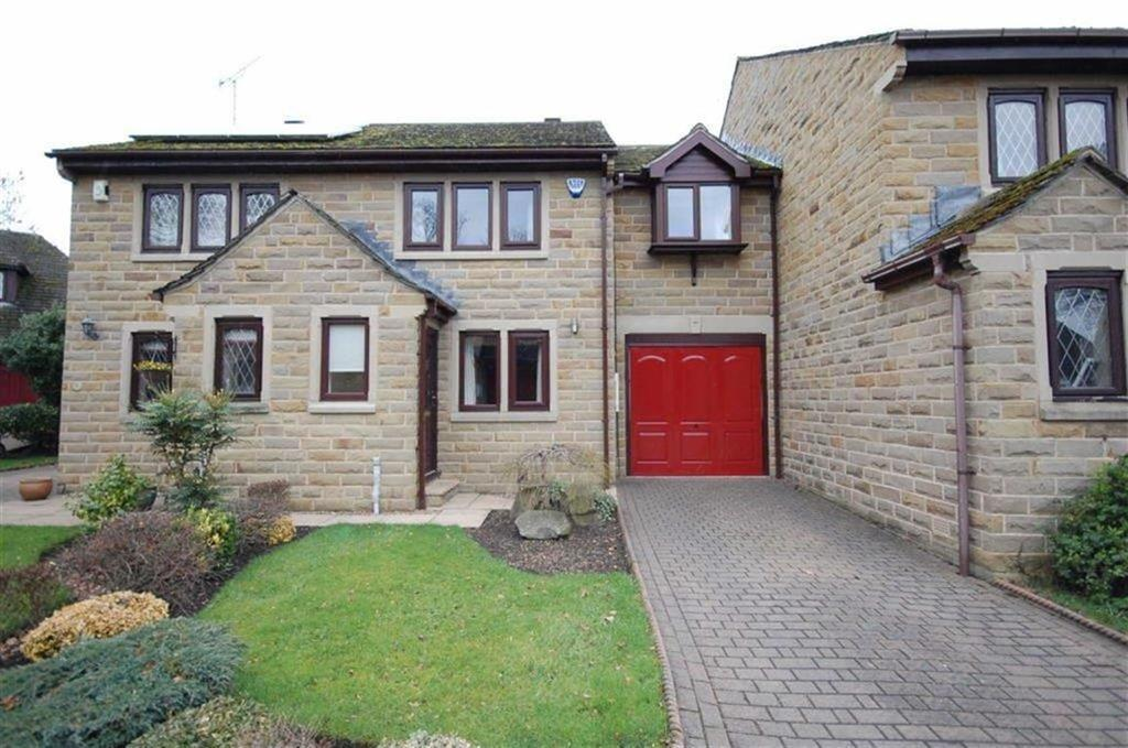 3 Bedrooms Terraced House for sale in Hartley Court, Liversedge, West Yorkshire, WF15