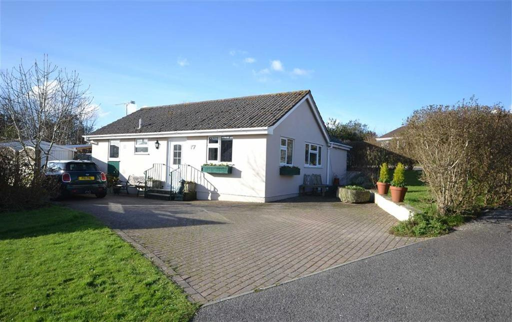 3 Bedrooms Bungalow for sale in Bonython Drive, Grampound, Truro, Cornwall, TR2