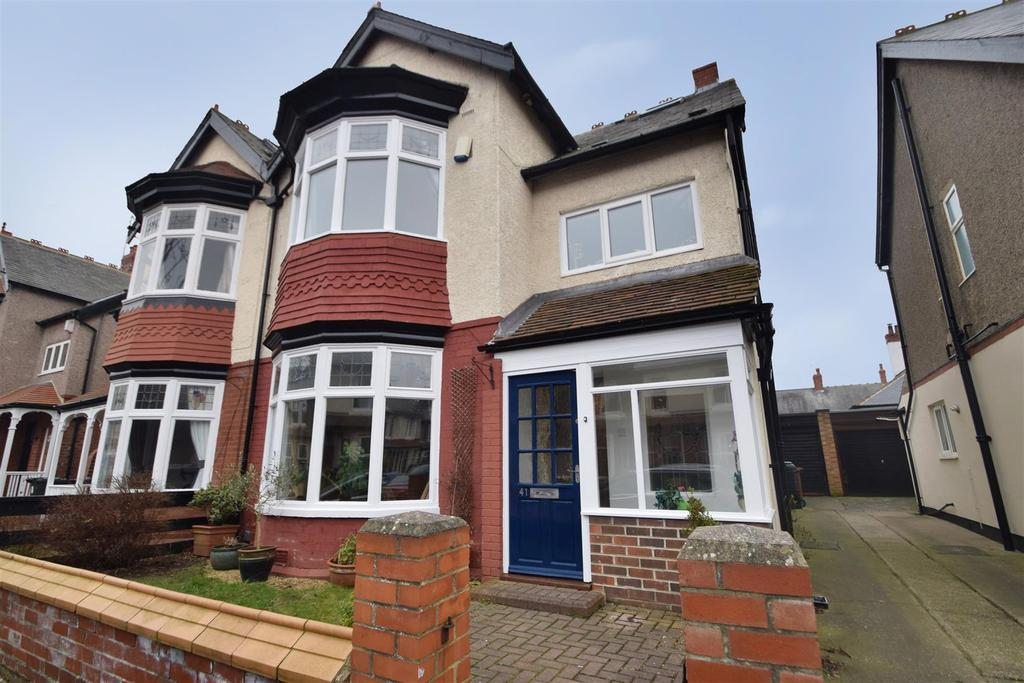4 Bedrooms Semi Detached House for sale in Cliftonville Gardens, Whitley Bay