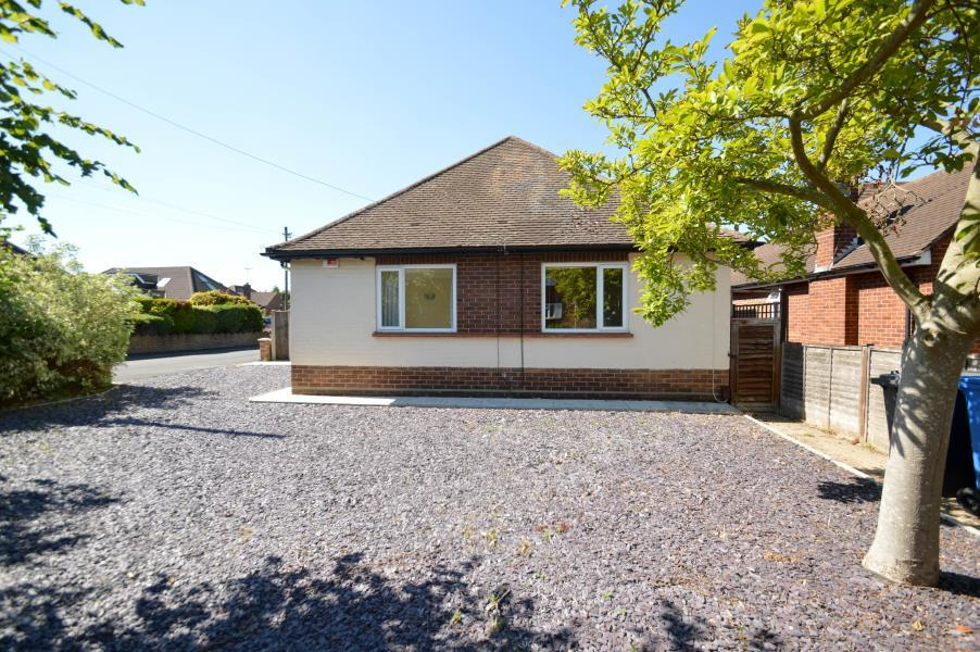 4 Bedrooms Detached Bungalow for sale in York Road, Windsor
