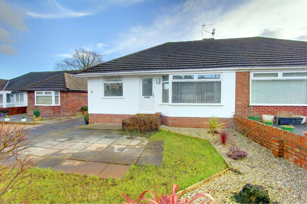 3 Bedrooms Semi Detached Bungalow for sale in Hampton Crescent West, Cyncoed, Cardiff