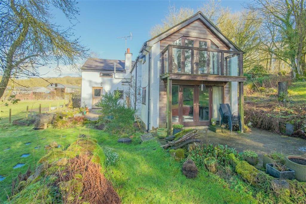 3 Bedrooms Detached House for sale in School Lane, Llanarmon-yn-Ial, Mold