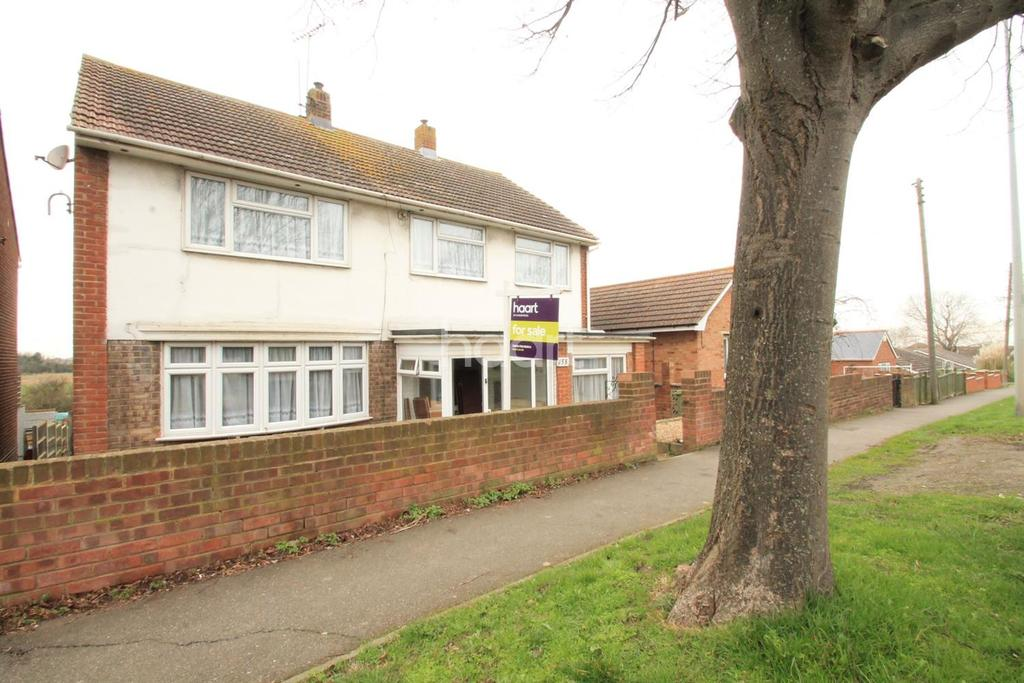 4 Bedrooms Detached House for sale in The Broadway
