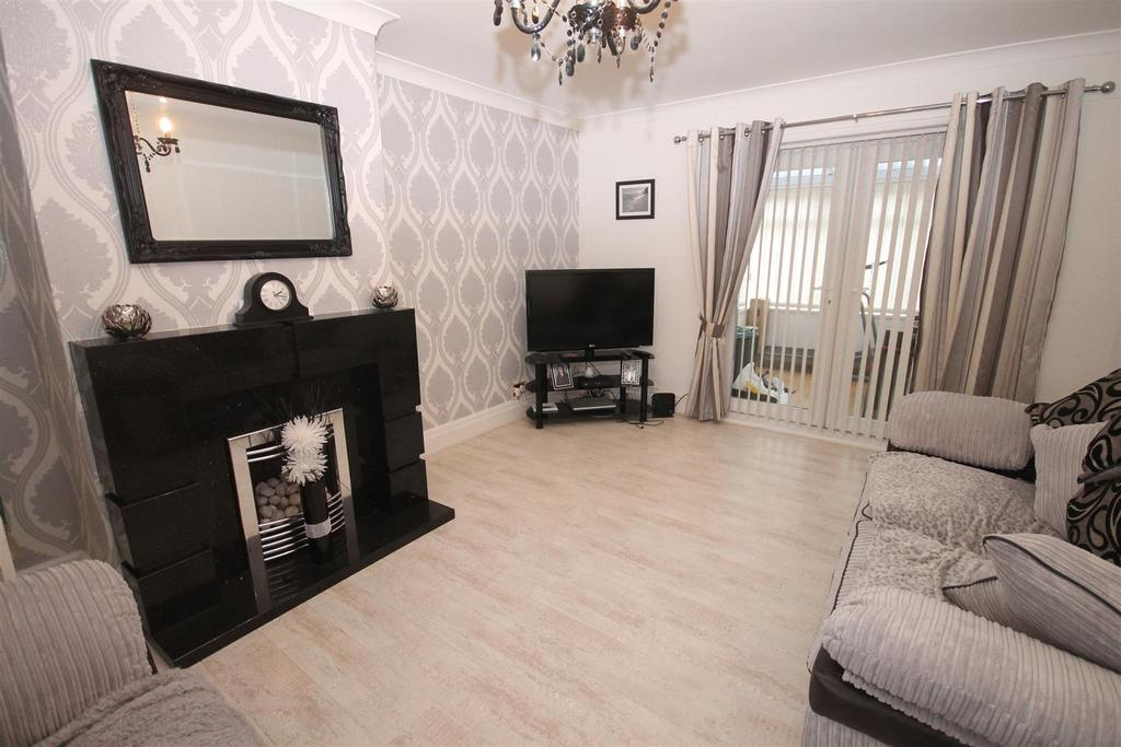 4 Bedrooms Semi Detached House for sale in Canterbury Grove, Middlesbrough