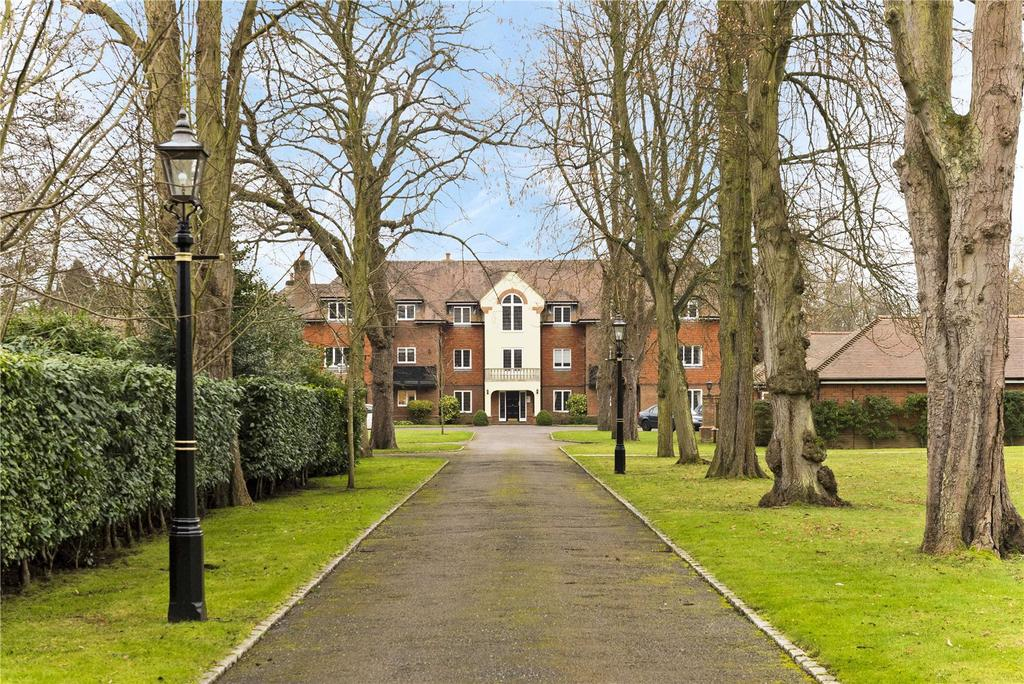 2 Bedrooms Flat for sale in Pyrford Place, Pyrford Road, GU22