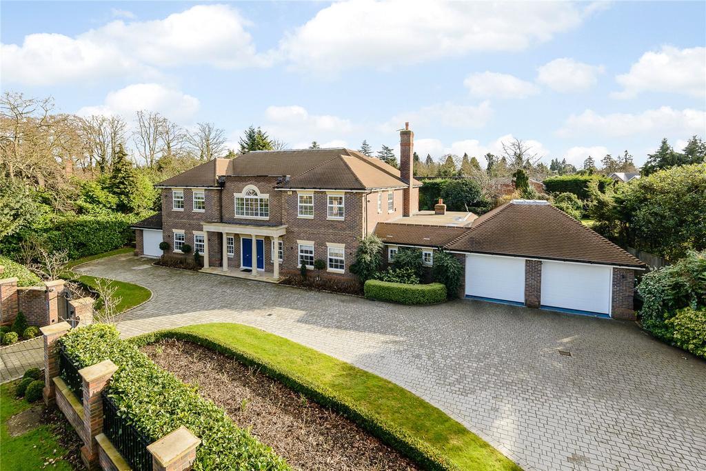 4 Bedrooms Detached House for sale in Camp Road, Gerrards Cross, Bucks