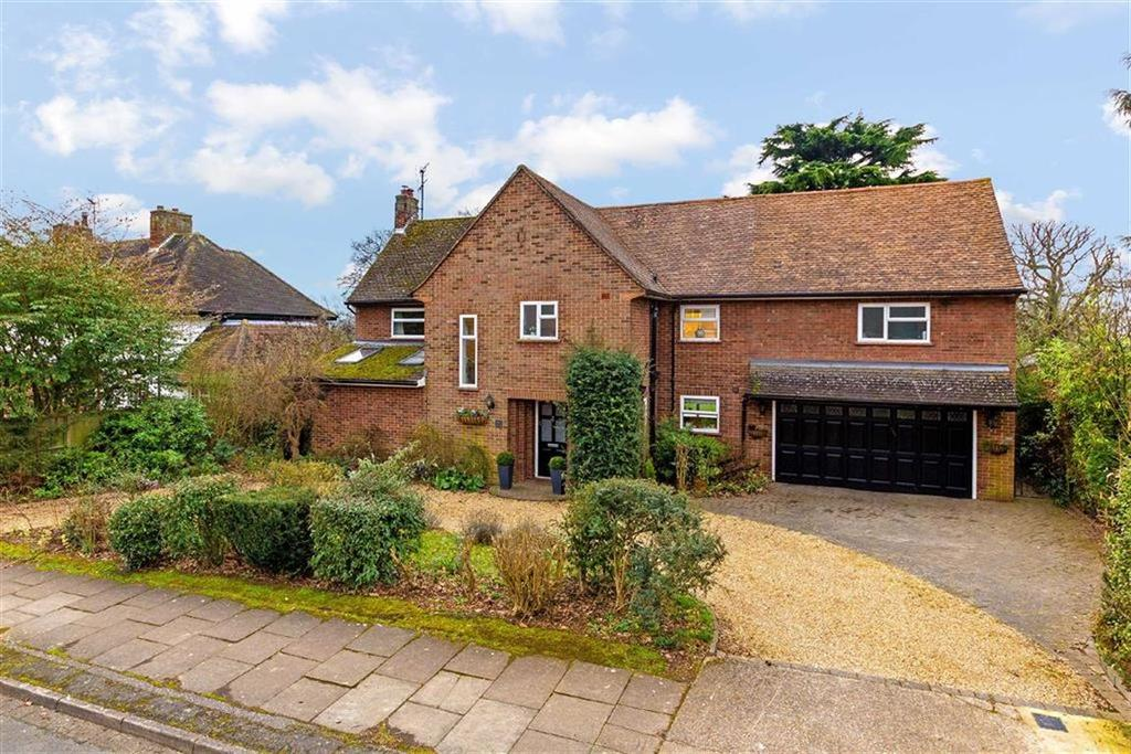 4 Bedrooms Detached House for sale in Priory Way, Hitchin, Hertfordshire