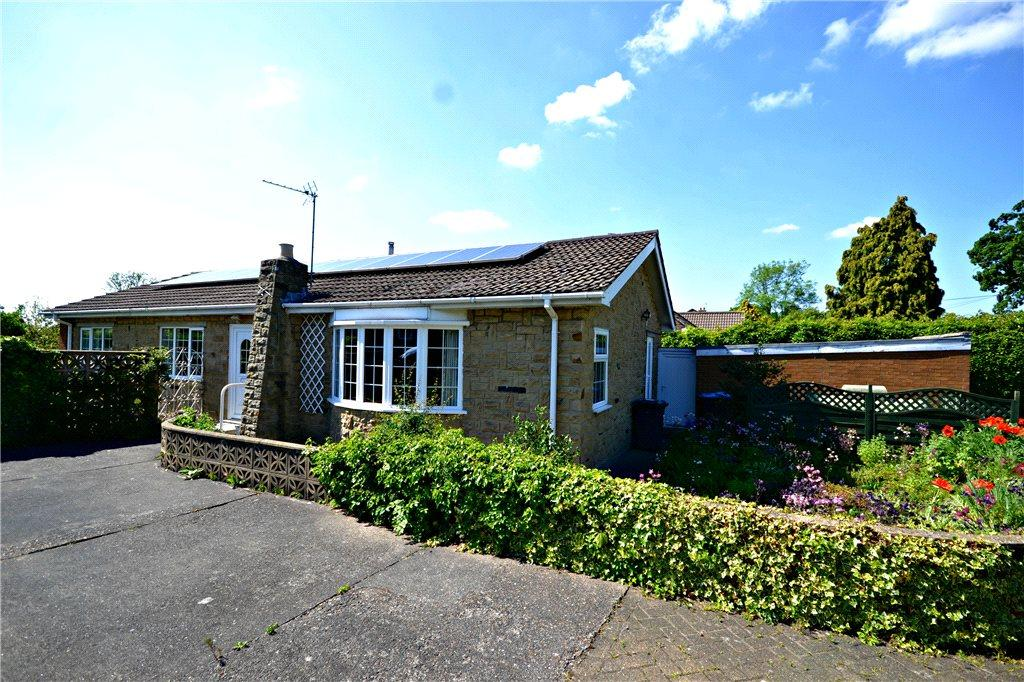 3 Bedrooms Detached Bungalow for sale in High Street, Great Broughton, North Yorkshire