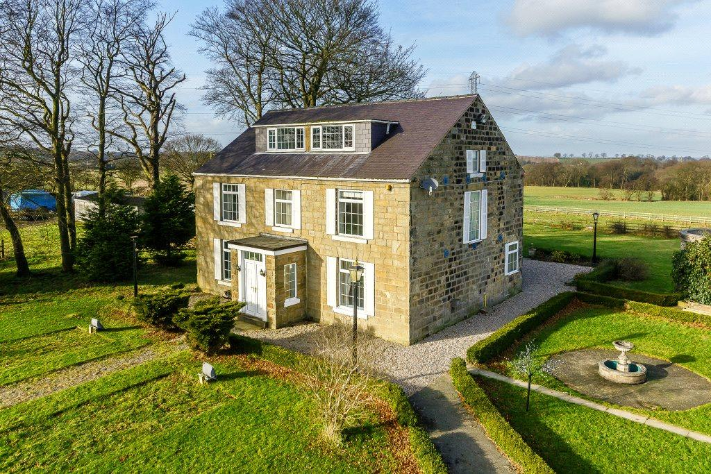 5 Bedrooms Detached House for sale in Saw Wood House, York Road, Thorner, Leeds, LS14