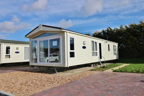 2 bedroom park home for sale - Southsea Lodge and Leisure Park, Melville Road, Southsea
