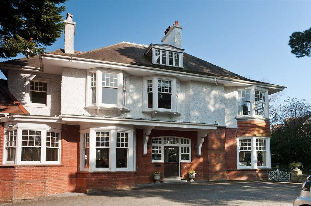 2 Bedrooms Flat for sale in West Overcliff Drive, Bournemouth, Dorset, BH4
