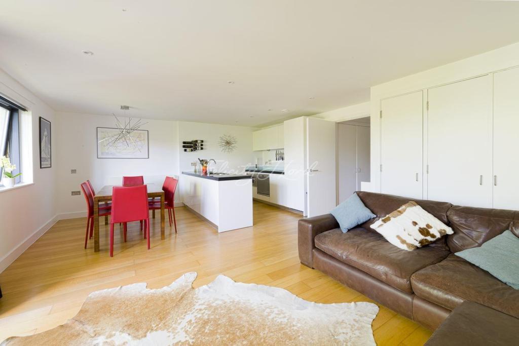 2 Bedrooms Flat for sale in Jam Factory, SE1