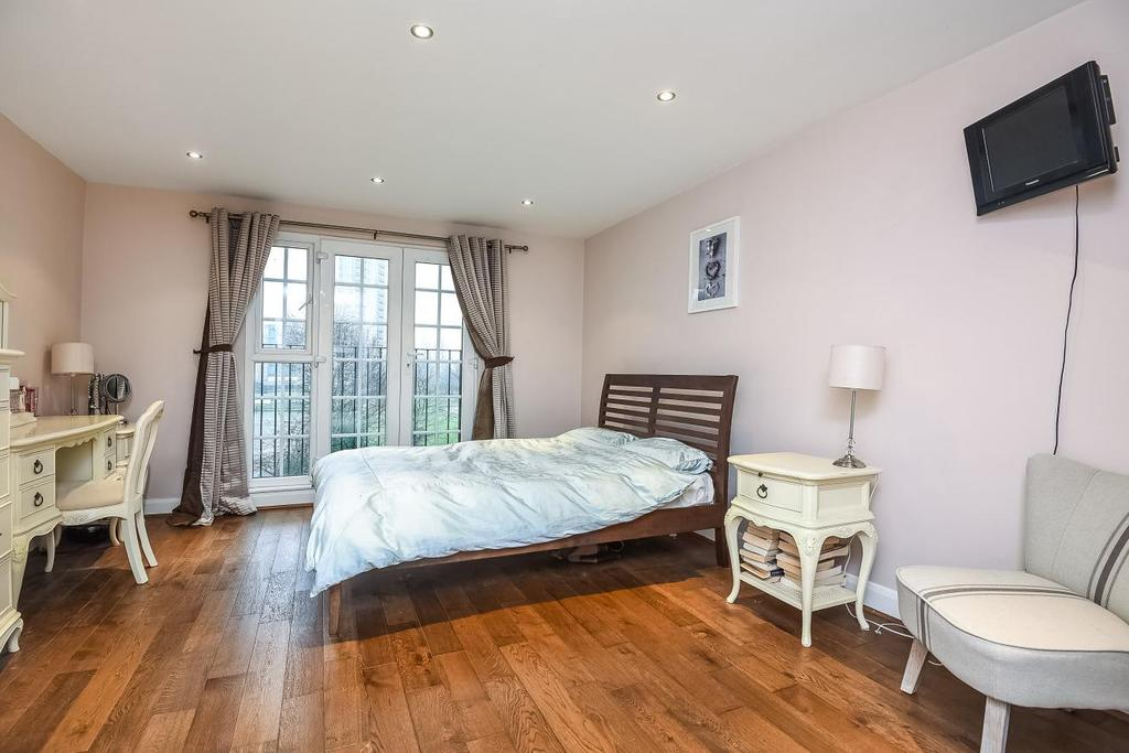 3 Bedrooms Semi Detached House for sale in Buckhold Road, Southfields, SW18