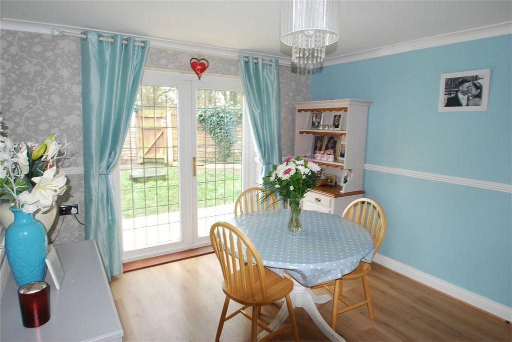 3 Bedrooms Detached House for sale in Lenham Heath