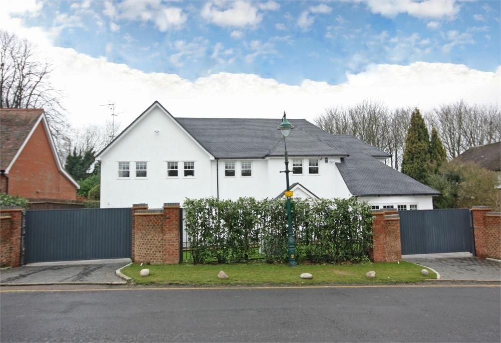 4 Bedrooms Detached House for sale in Hutton, BRENTWOOD, Essex