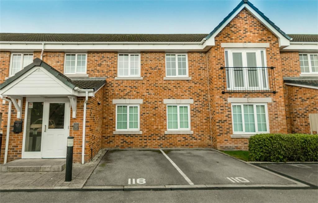 2 Bedrooms Flat for sale in Moat Way, Brayton, Selby, North Yorkshire