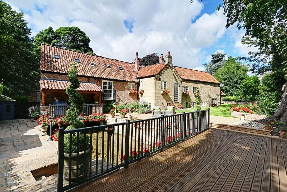 5 Bedrooms Village House for sale in Paper Mill House, Nordham, North Cave, Brough, HU15 2LT