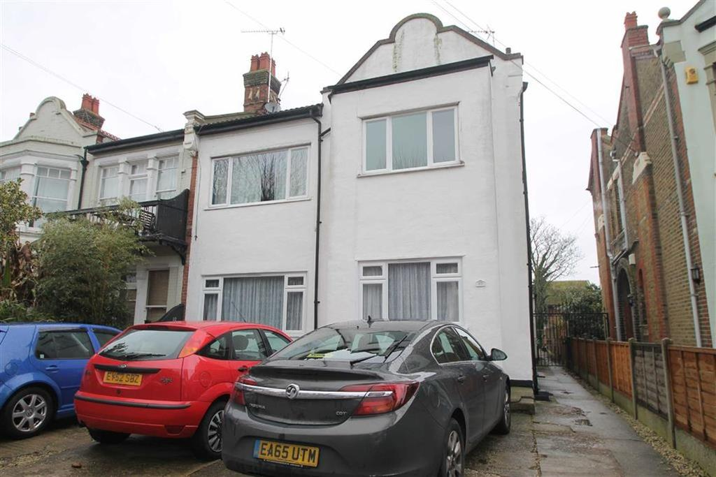 2 Bedrooms Apartment Flat for sale in St Vincents Road, Westcliff On Sea