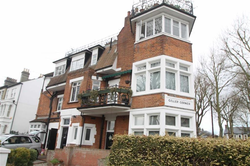 3 Bedrooms Apartment Flat for sale in Alexandra Road, Southend On Sea, Essex