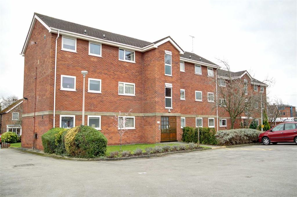 2 Bedrooms Apartment Flat for sale in Burlington Court, Altrincham, Cheshire