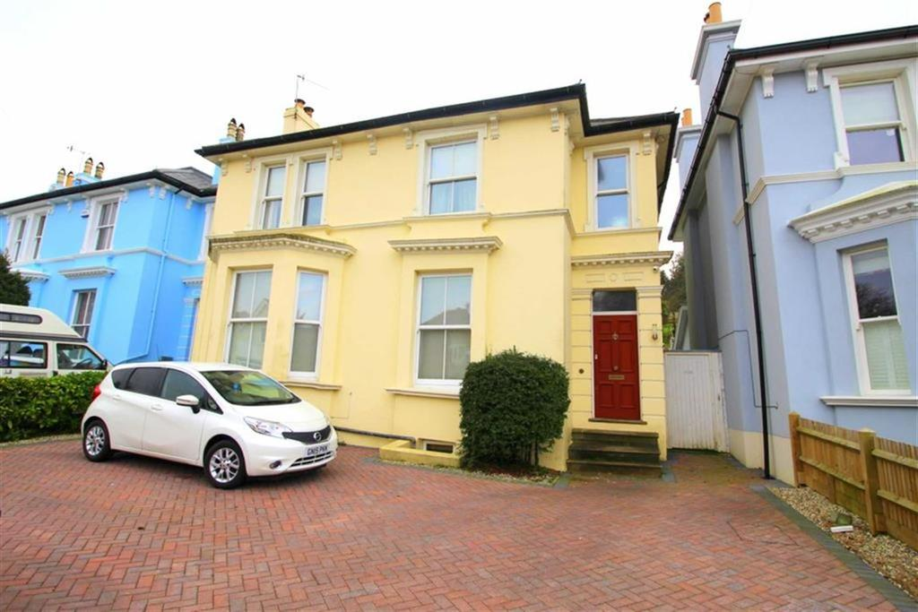 4 Bedrooms Detached House for sale in Fearon Road, Hastings