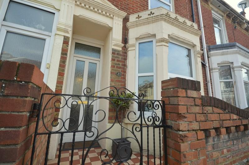 2 Bedrooms Terraced House for sale in Vernon Avenue, Southsea