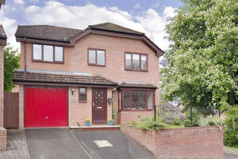 4 Bedrooms Detached House for sale in Brook Way, Anna Valley, Andover