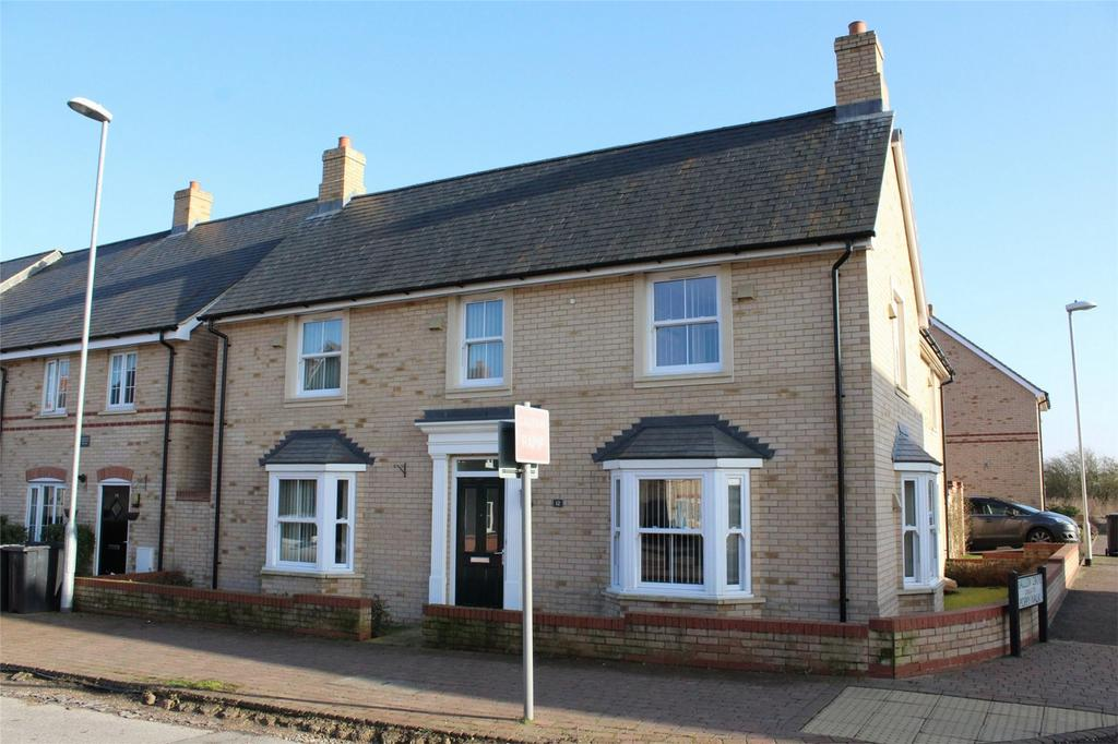 4 Bedrooms Detached House for sale in Valerian Way, Stotfold, Hitchin, Hertfordshire